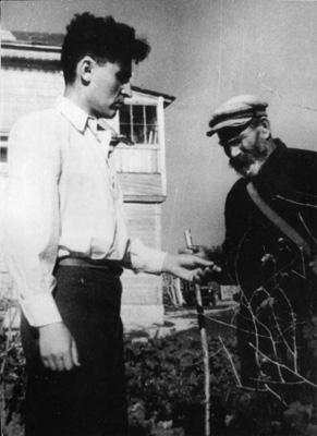 А.Калинин и сосед